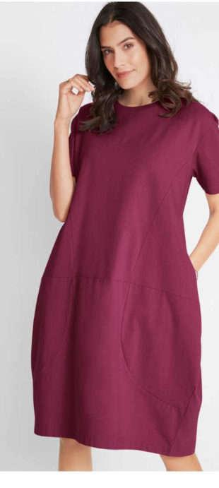 Fialové oversize šaty v pohodlnom strihu s vreckami