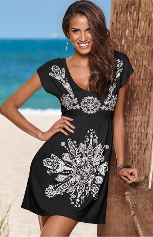 Dámske plážové šaty v čierno-bielej kombinácii s potlačou