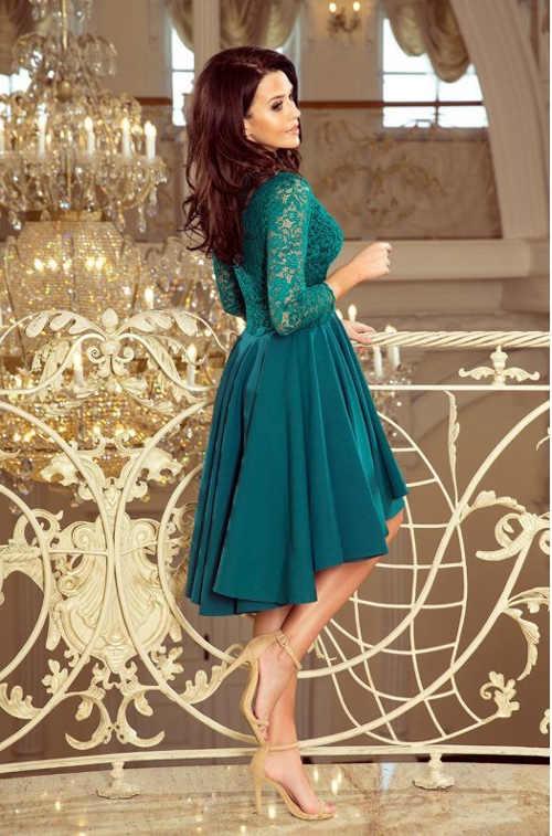 Krásne formálne šaty v pôsobivej zelenej farbe